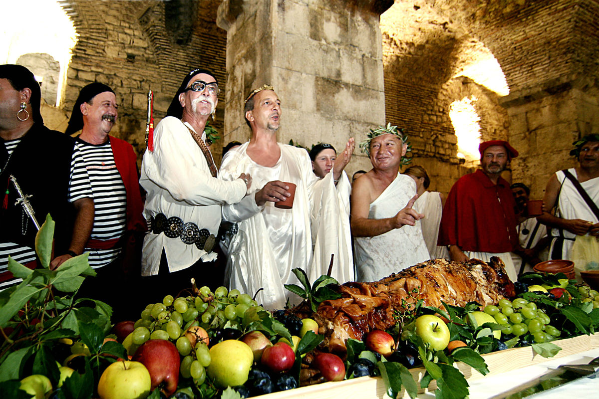 roman-banquet